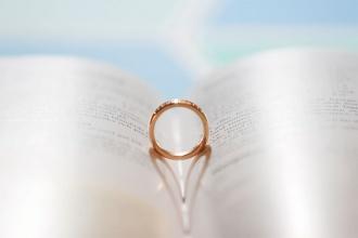 Spisywanie protokołu przedślubnego - ślub kościelny