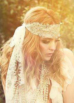 Ślubna opaska w stylu hippie