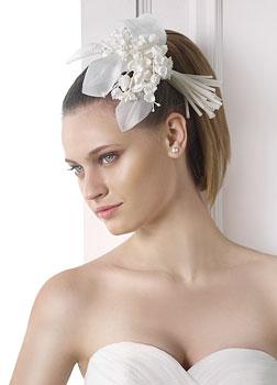 Kwiatowa przypinka do włosów