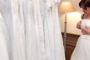 Kupić suknię ślubną czy uszyć