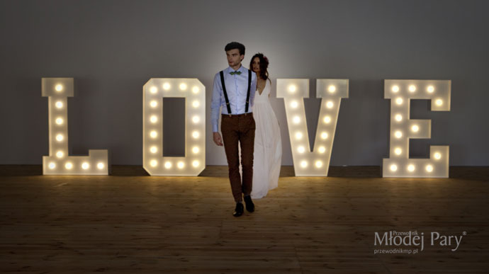 Świecące litery na wesele love