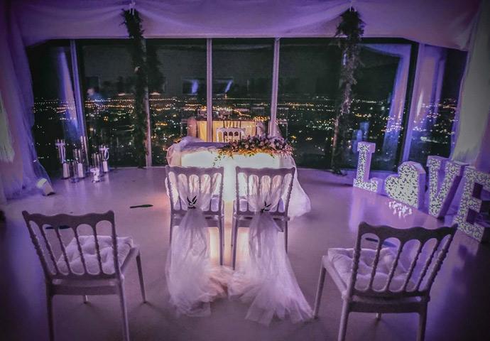 Ślub na tarasie widokowym w Sky Tower we Wrocławiu