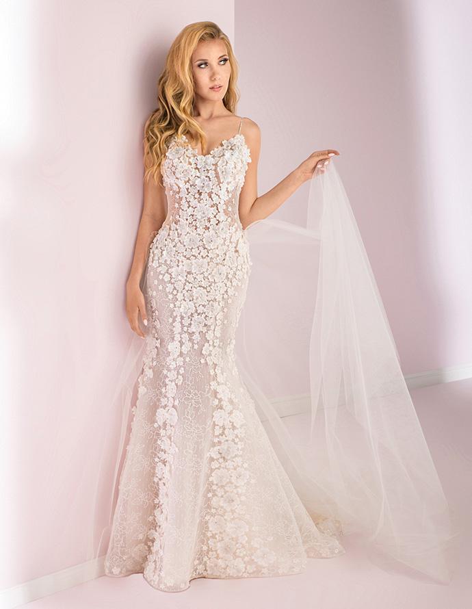 Suknia ślubna z kwiatami 3D