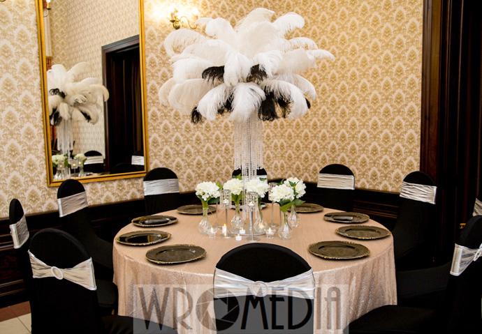 Modna czarno-biała dekoracja w stylu glamour