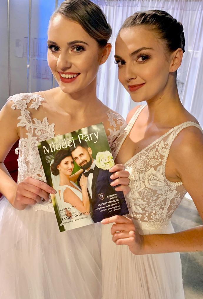 Modelki z Przewodnikiem Młodej Pary na targach ślubnych we Wrocławiu w Hali Orbita