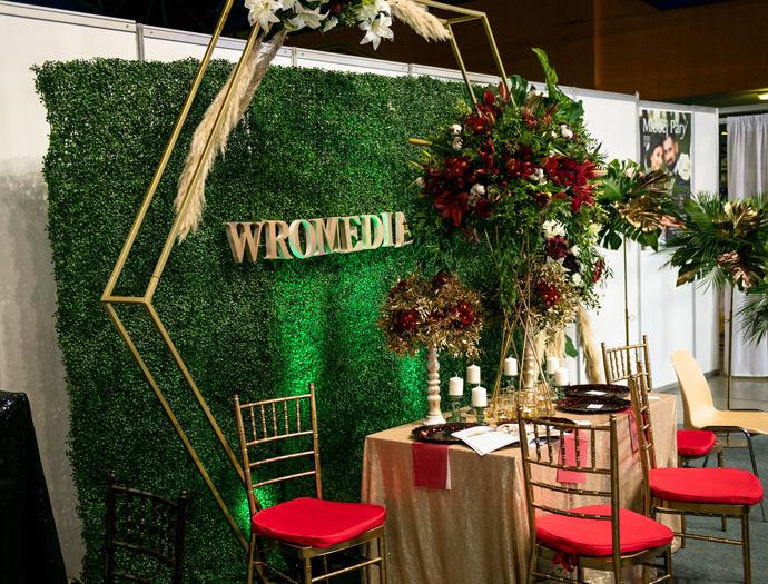 Stoisko firmy dekoratorskiej Wromedia na targach ślubnych w Orbicie