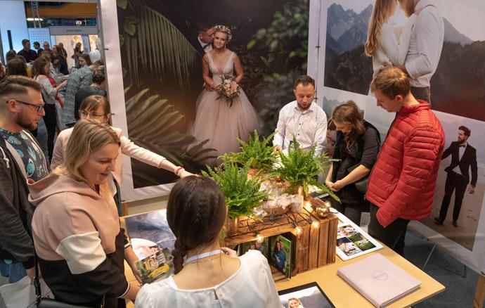 Stoisko z fotografią ślubną na targach w Orbicie we Wrocławiu