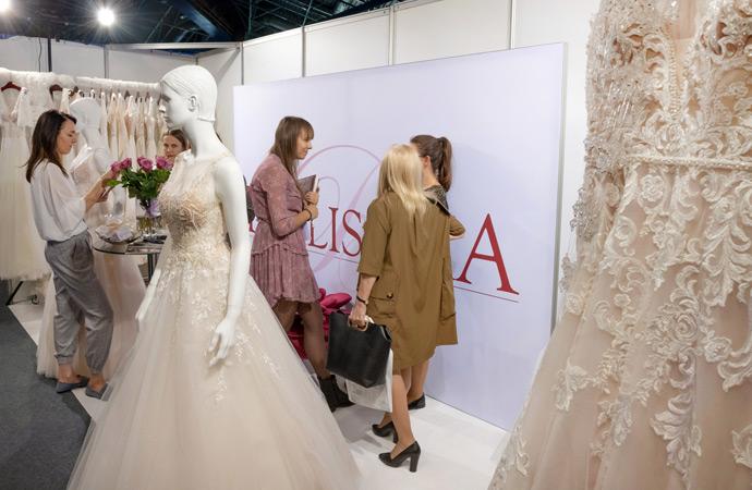Stoisko salonu sukien ślubnych Bellissima na targach w Orbicie we Wrocławiu