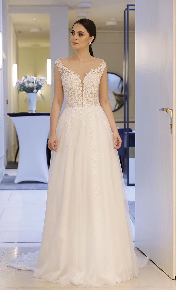 Modna suknia ślubna z dekoltem V