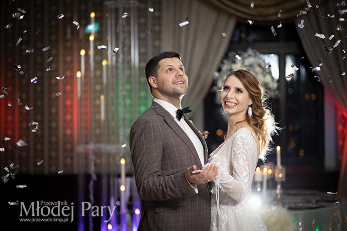 Srebrne confetti na weselu