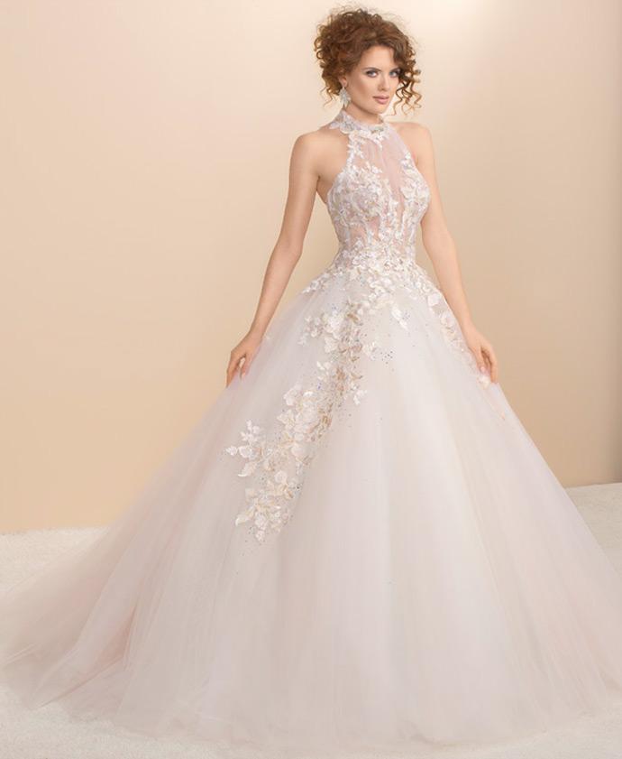 Suknia ślubna księżniczka z wielowarstwowym dołem