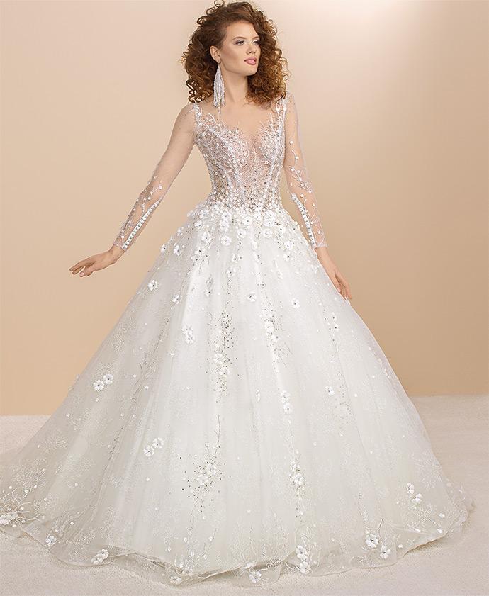 Suknia ślubna księżniczka obsypana drobnymi kwiatkami