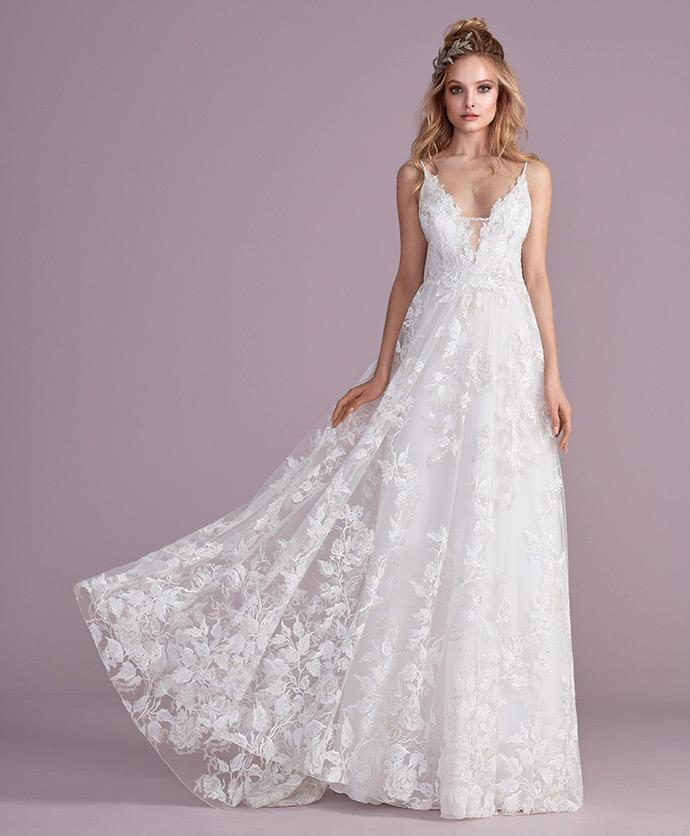 Koronkowa suknia ślubna o kształcie litery A