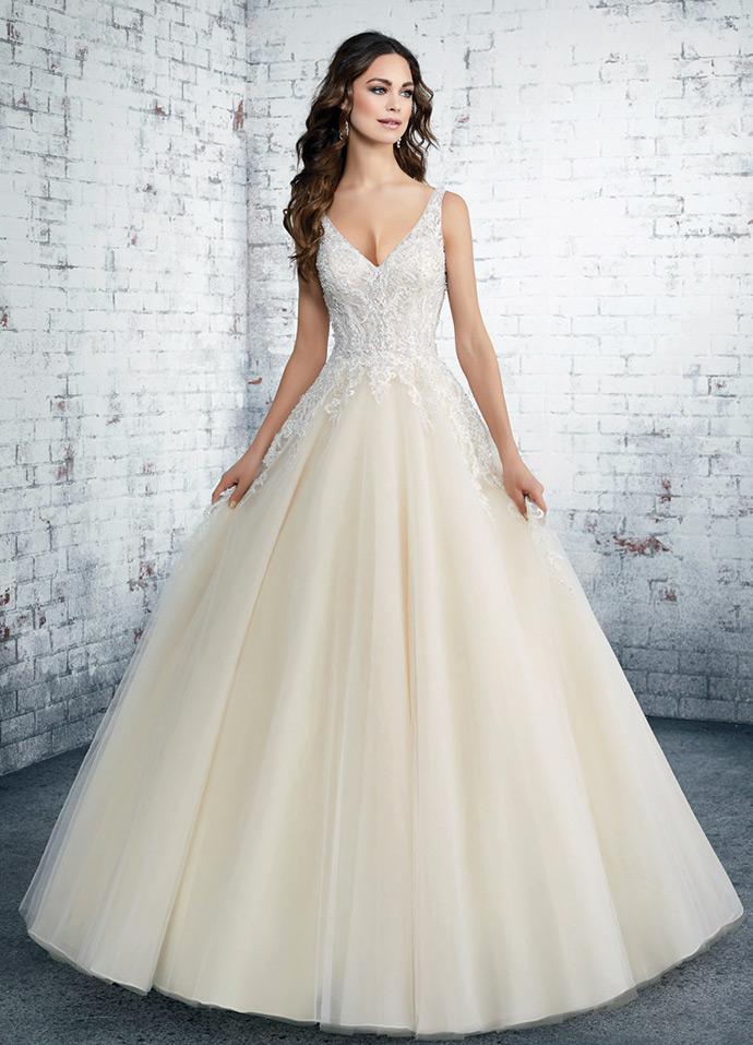 Suknia ślubna księżniczka w odcieniu ecru