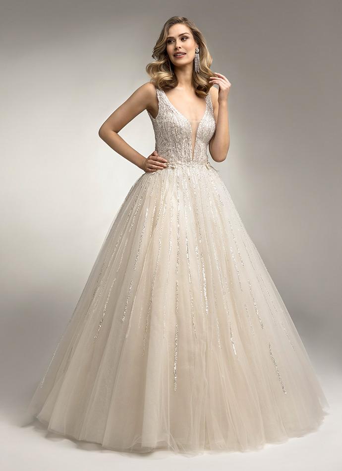 Suknia ślubna z połyskiem